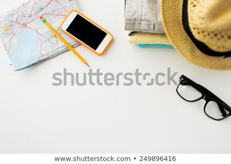 kamera · jegyzettömb · okostelefon · fehér · fa · asztal · felső - stock fotó © dolgachov