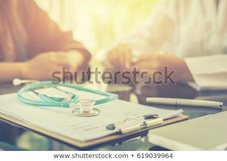 diagnóstico · tumor · médico · 3d · render · relatório · vermelho - foto stock © tashatuvango
