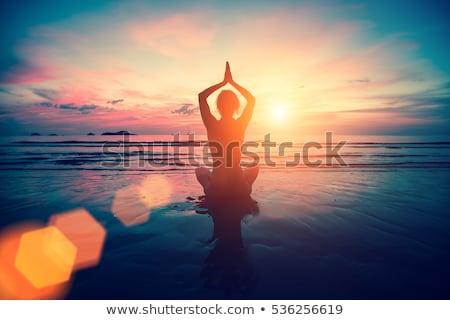 Jóga póz naplemente illusztráció sport fitnessz sziluett Stock fotó © adrenalina