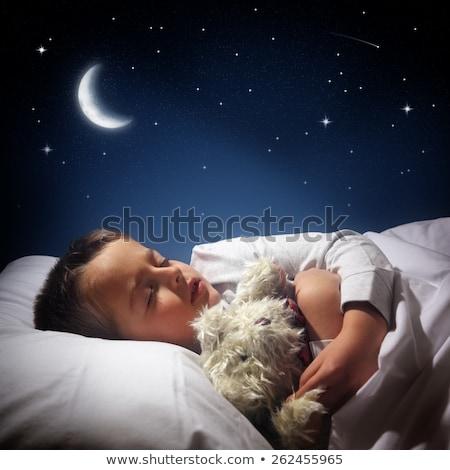 kind · slapen · beer · kaukasisch · jongen - stockfoto © lopolo