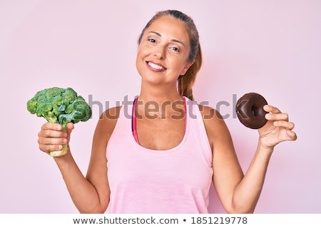Mujer sonriente brócoli buñuelo alimentación saludable dieta Foto stock © dolgachov
