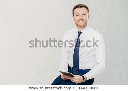 Intelligent advocaat elegante kleding digitale tablet Stockfoto © vkstudio