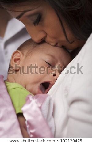 vonzó · kisebbségi · nő · újszülött · baba · fiatal - stock fotó © feverpitch