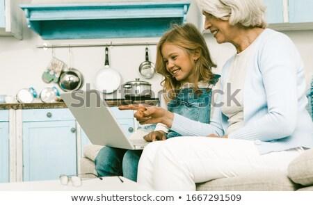 mujer · madura · Foto · nieto · mujer · casa - foto stock © wavebreak_media