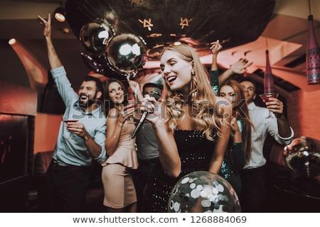 Grupy znajomych karaoke strony kobiet piwa Zdjęcia stock © Kzenon