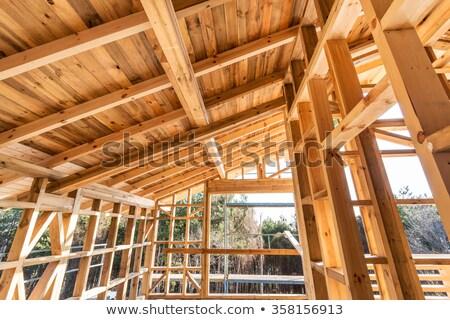 Inşa etmek ahşap ev inşaat işçiler Stok fotoğraf © ivonnewierink