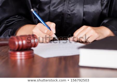 мужчины · судья · Дать · бумаги - Сток-фото © andreypopov