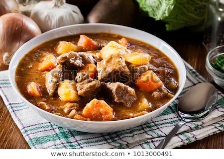 marhapörkölt · krumpli · lassú · hús · paradicsom · főzés - stock fotó © rojoimages