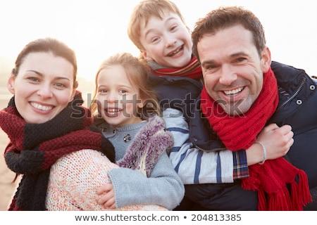 inverno · menina · feliz · menina · sorrir · mulheres · corpo - foto stock © Paha_L