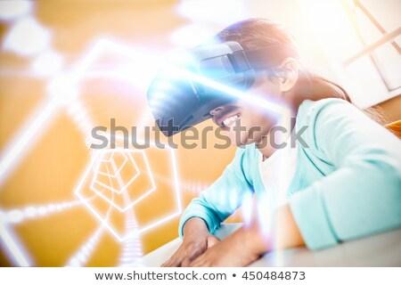 Widok z boku uczennica faktyczny rzeczywistość zestawu biurko Zdjęcia stock © wavebreak_media