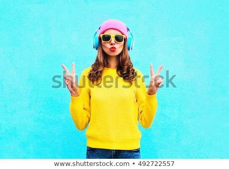 moda · kız · kulaklık · etrafında · boyun · gülen - stok fotoğraf © stockyimages
