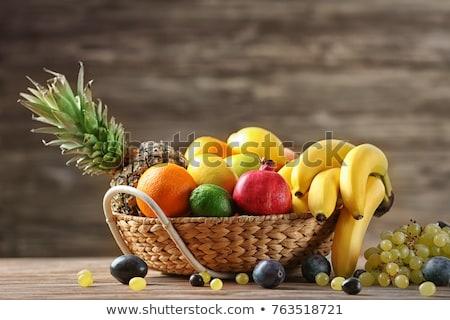 Cesta orgánico maduro naranja alimentos naturaleza Foto stock © Klinker