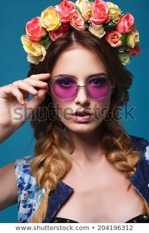 портрет красивой молодые женщины роз венок Сток-фото © deandrobot