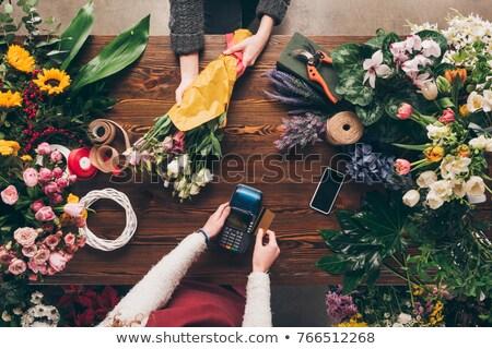 花屋 スマートフォン バラ 花屋 中小企業 技術 ストックフォト © dolgachov