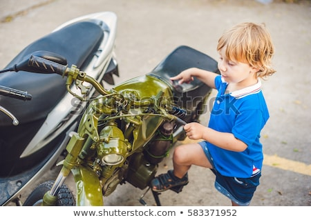 мотоцикл · двигатель · кадр · окна · кафе - Сток-фото © galitskaya