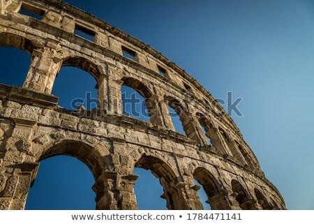 Antigo romano anfiteatro Croácia famoso Foto stock © Kayco