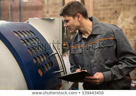 Pracownika maszyn człowiek pracy bezpieczeństwa ochrony Zdjęcia stock © IS2