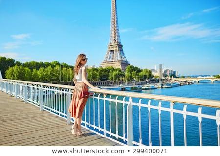 Stok fotoğraf: Güzel · genç · turist · kız · Eyfel · Kulesi · mutlu