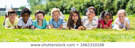 Grupy ludzi dzieci boisko ilustracja dziecko projektu Zdjęcia stock © bluering