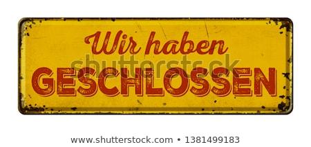 Vintage roestige metaal teken vertaling gesloten Stockfoto © Zerbor