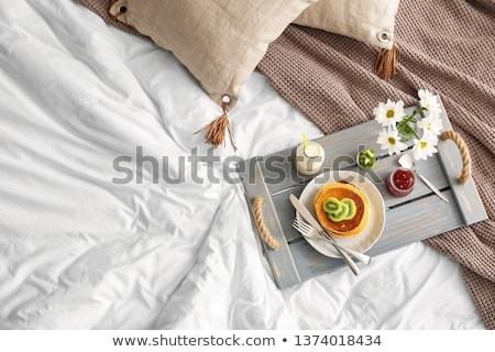 doce · café · da · manhã · cama · bastante · loiro · mulher - foto stock © imarin