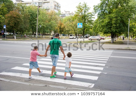Homem pedestre zebra rua ver masculino Foto stock © stevanovicigor