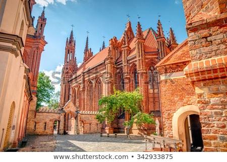 öreg · piros · tégla · katolikus · templom · külső - stock fotó © vapi