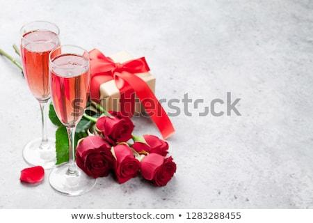 serca · wino · czerwone · czerwona · róża · odizolowany · biały - zdjęcia stock © karandaev