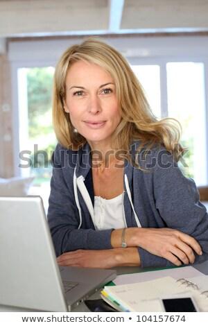 Portret vrouw agenda werk pen bureau Stockfoto © photography33