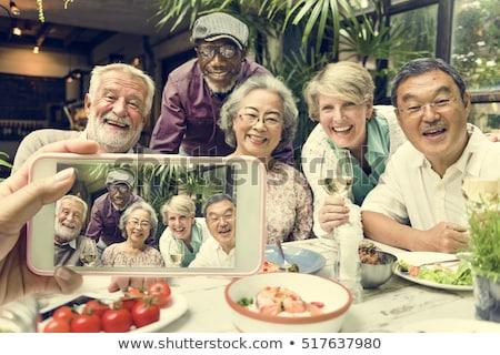 Idősebb nő elvesz fotó buli barátok Stock fotó © photography33