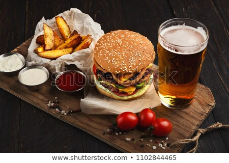 caneca · cerveja · burger · isolado · vidro · pão - foto stock © jonnysek