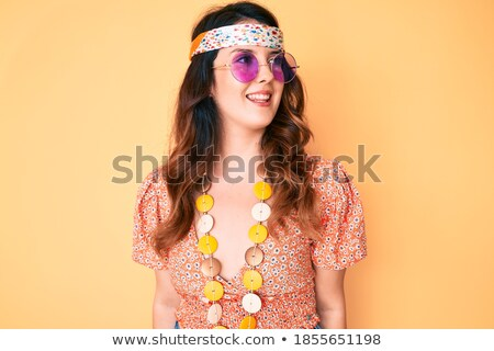 mooie · jonge · vrouw · hippie · poseren · pittoreske · landschap - stockfoto © pawelsierakowski