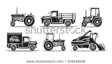 Vechi agricol maşină negru alb iarbă vară Imagine de stoc © mariephoto