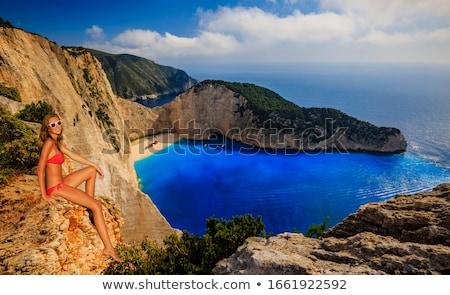 Hajóroncs tengerpart égbolt tájkép tenger kék Stock fotó © MilanMarkovic78