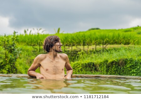 Homem turista quente bali arroz primavera Foto stock © galitskaya