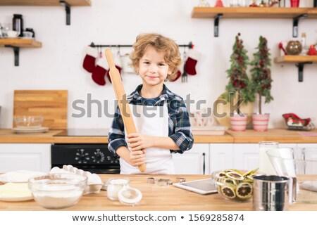 Gelukkig weinig jongen schort Stockfoto © pressmaster