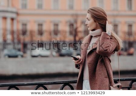 Fotografia atrakcyjny młodych kobiet model długie włosy Zdjęcia stock © vkstudio