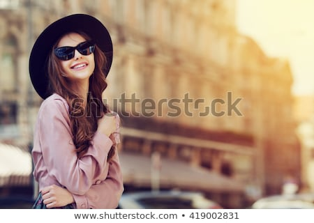 ストックフォト: モデル · ピンク · サングラス · 美しい · 白人 · ブルネット