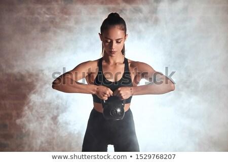 kettlebell · swing · allenamento · formazione · donna · palestra - foto d'archivio © lunamarina