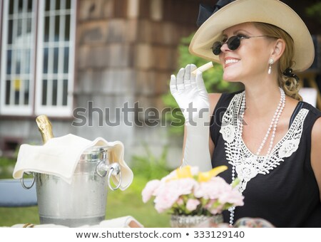 mooie · 1920 · tijdperk · meisje · hoed · handschoenen - stockfoto © feverpitch