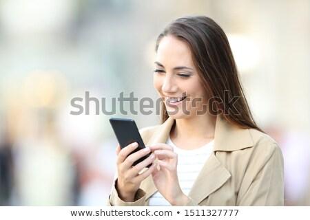 fiatal · nő · bevásárlószatyor · szeretet · üveg · vásárlás · csók - stock fotó © fisher