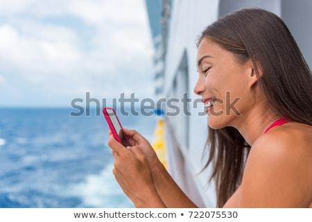 女性 · 話し · 携帯電話 · 幸せ · 水 · 電話 - ストックフォト © galitskaya