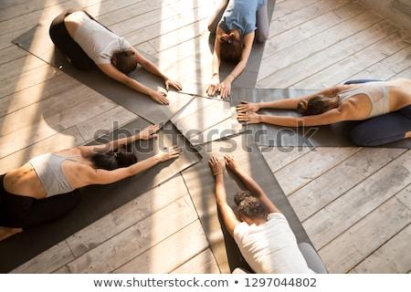 Photo stock: Aérobic · filles · jeunes · femmes · formation · gymnase · bâtiment