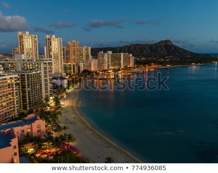 Waikiki tengerpart éjszaka város városi városkép Stock fotó © HerrBullermann