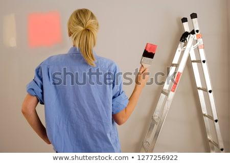 fiatal · nő · választ · festék · szín · otthon · áll - stock fotó © dash