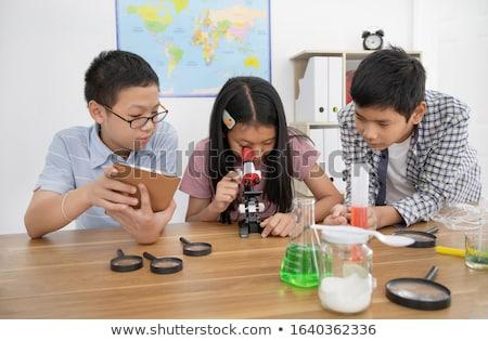 mannelijke · student · wetenschap · klasse · naar - stockfoto © is2