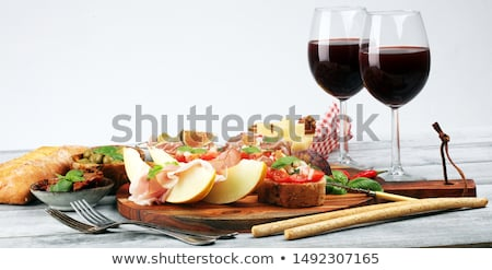 italien · antipasti · vin · collations · verres · à · vin - photo stock © illia