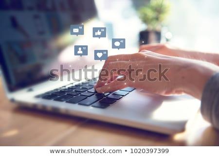 Foto stock: Medios · de · comunicación · social · red · social · negocios · tecnología · fondo · signo