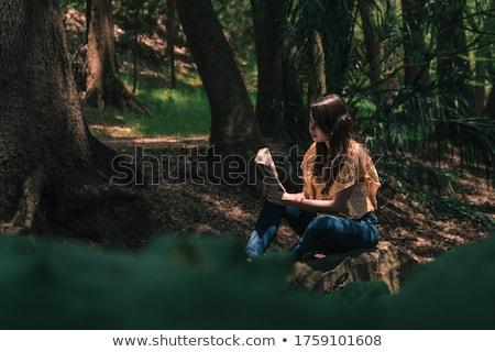 gülen · İspanyolca · kadın · çekici · genç · koyu · esmer - stok fotoğraf © igabriela