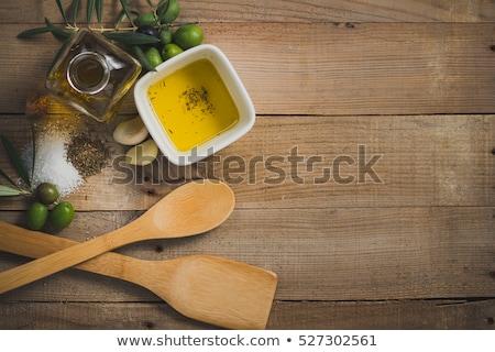 noir · vert · huile · d'olive · bouteille · table · mur - photo stock © wavebreak_media